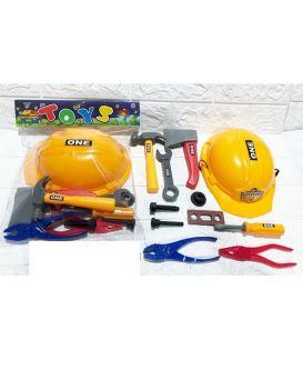 Набор инструментов каска, плоскогубцы, отвертка, молоток, топор, в пакете 27х32х6 см